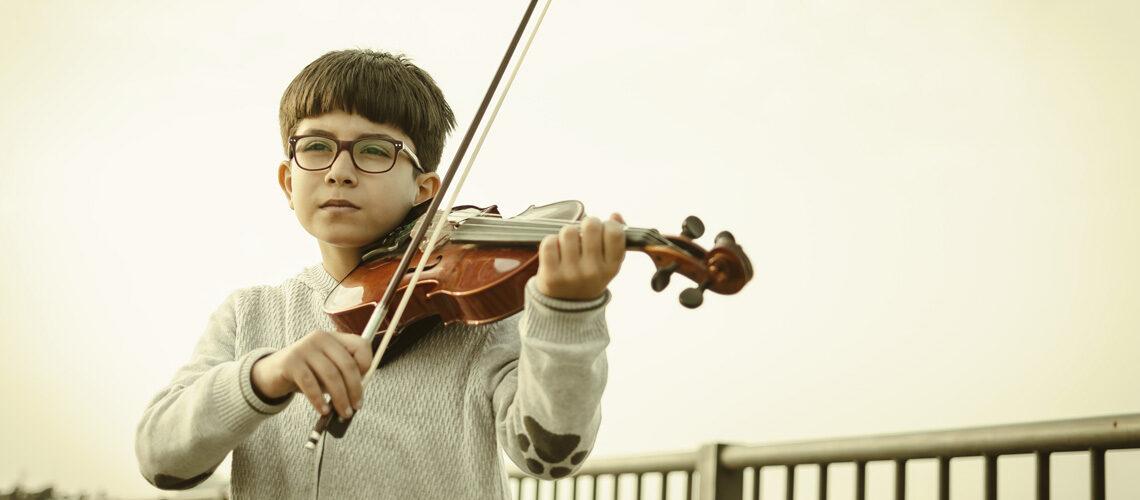boy violin